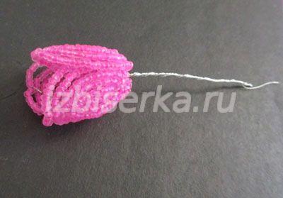 Плетение бутона крокуса из бисера