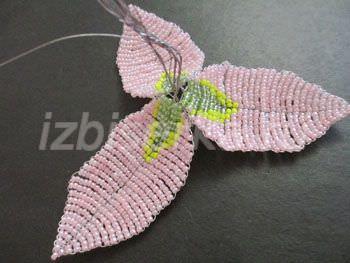 Потрясающие лилии из бисера своими руками: схемы для начинающих
