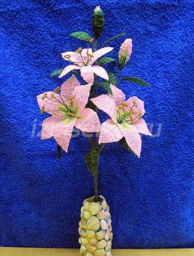 плетение букета лилии бисером