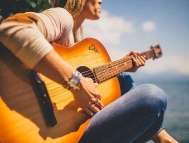 Переборы для гитары – лучший способ исполнения композиций